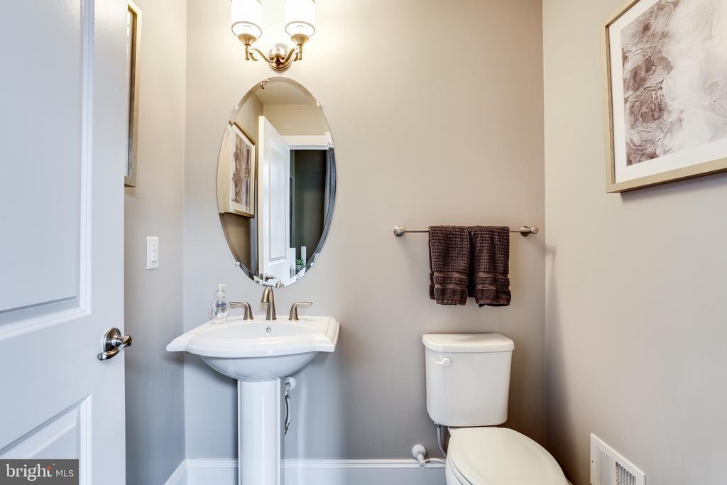 Main Level Half Bath - 148 MERRIMACK WAY, ARNOLD
