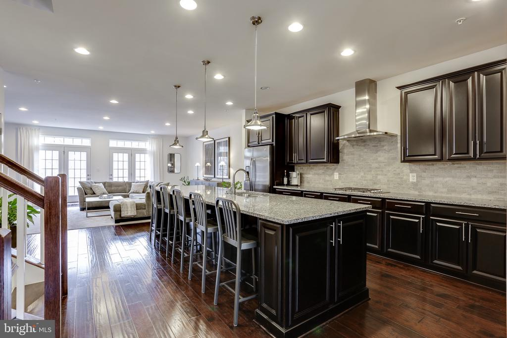 Incredible Gourmet Kitchen with Large Island. - 148 MERRIMACK WAY, ARNOLD