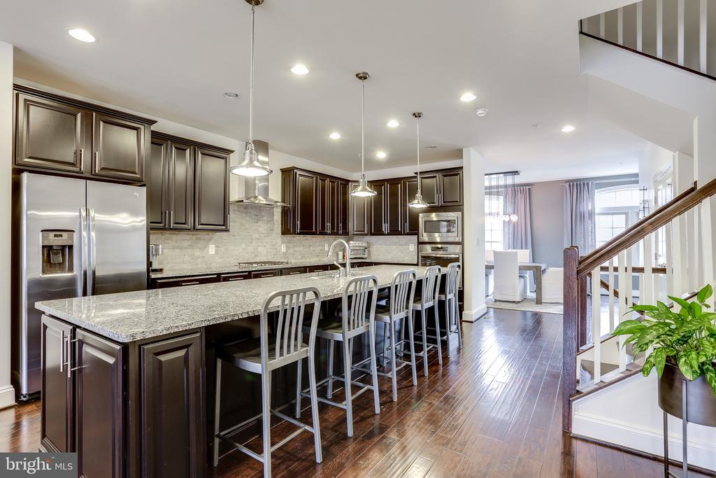 Seating for 5+ at the Kitchen Island - 148 MERRIMACK WAY, ARNOLD