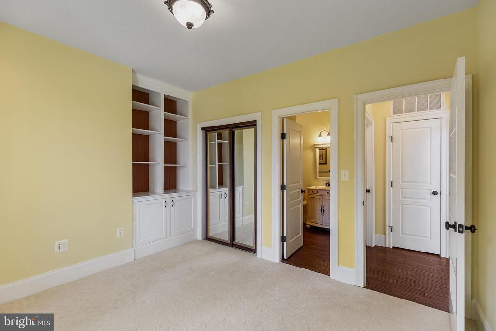 Main level Bdrm w/bath or office /den/guest room - 825 CAMP CONOY RD, LUSBY