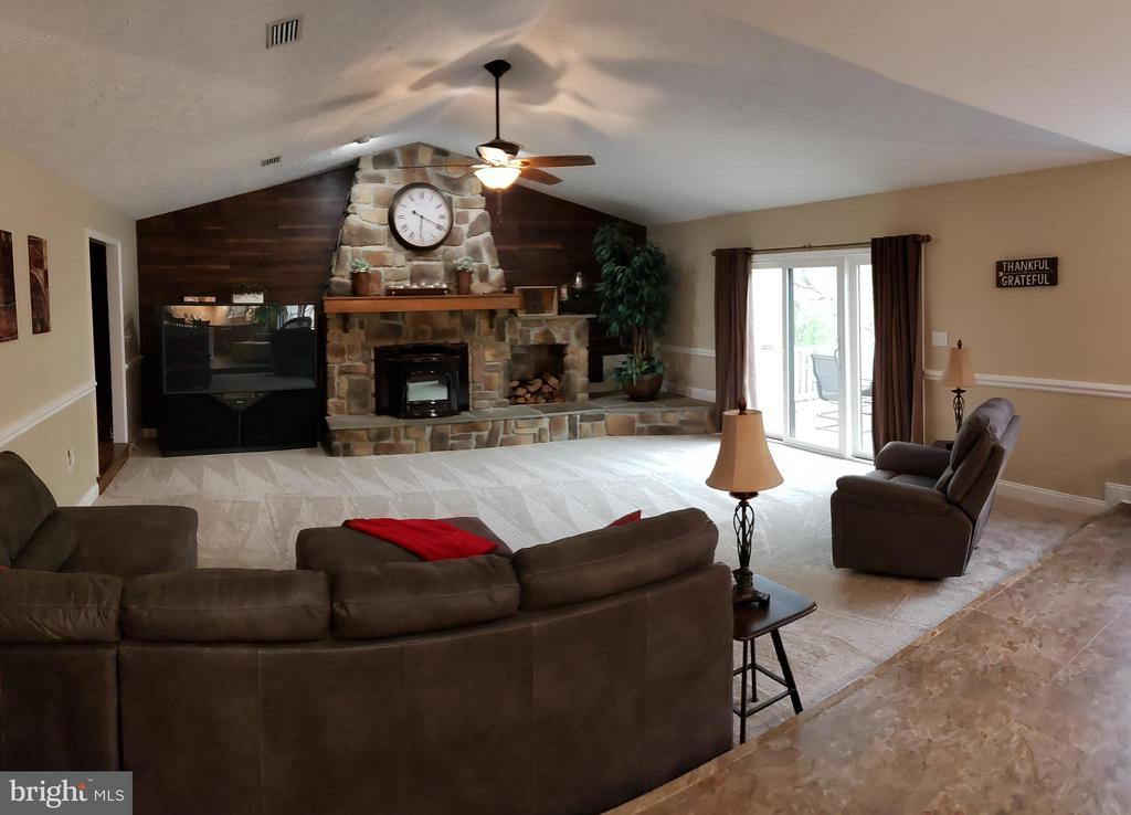 Living Room w/ Newer SGD to Rear Deck/Patio - 2714 JAY BIRD CT, KNOXVILLE