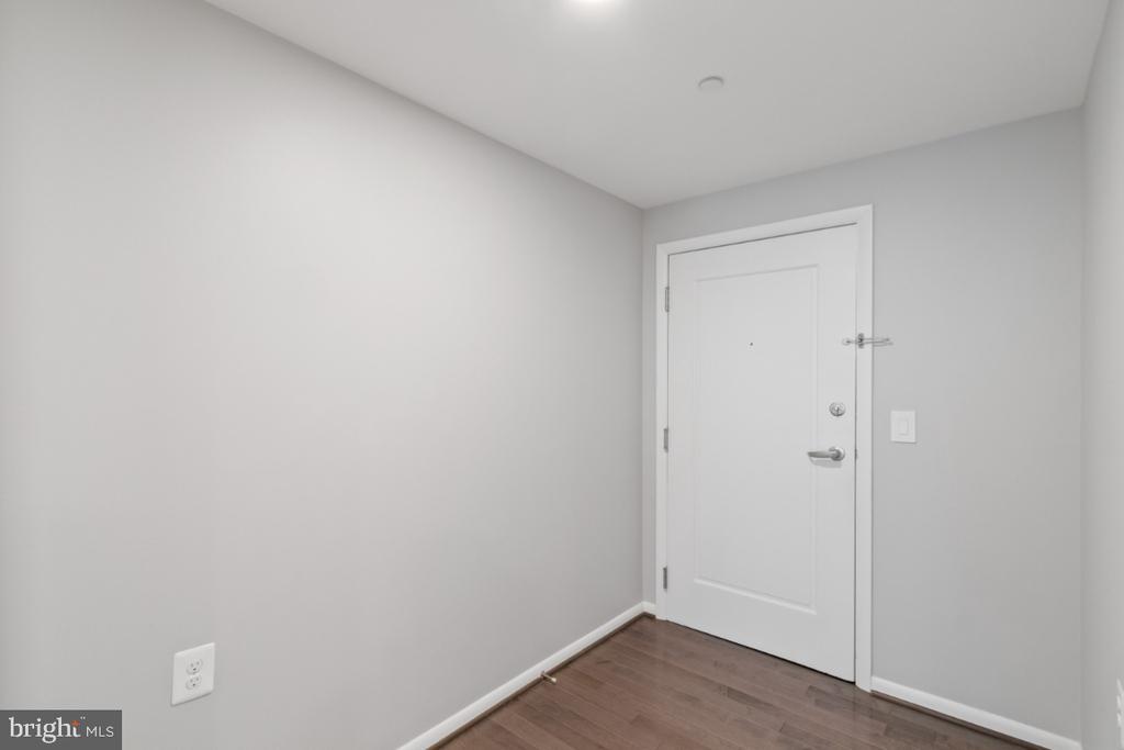 Entry foyer - 350 G ST SW #N224, WASHINGTON