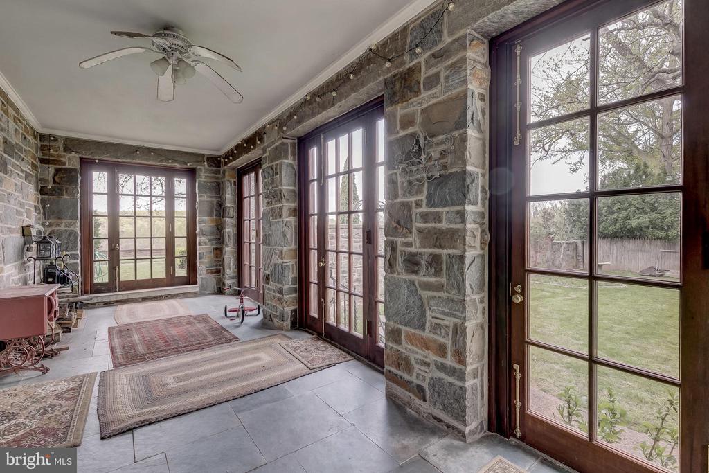 Mud Room/Enclosed Porch - 12600 JARRETTSVILLE PIKE, PHOENIX