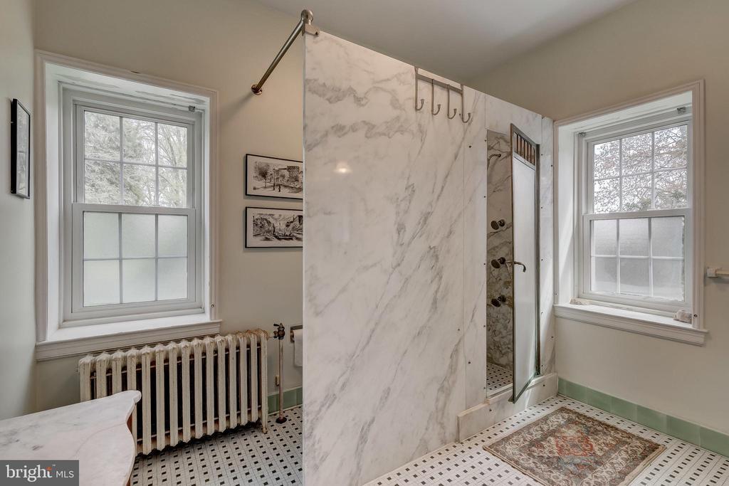 Master Bath for her - 12600 JARRETTSVILLE PIKE, PHOENIX