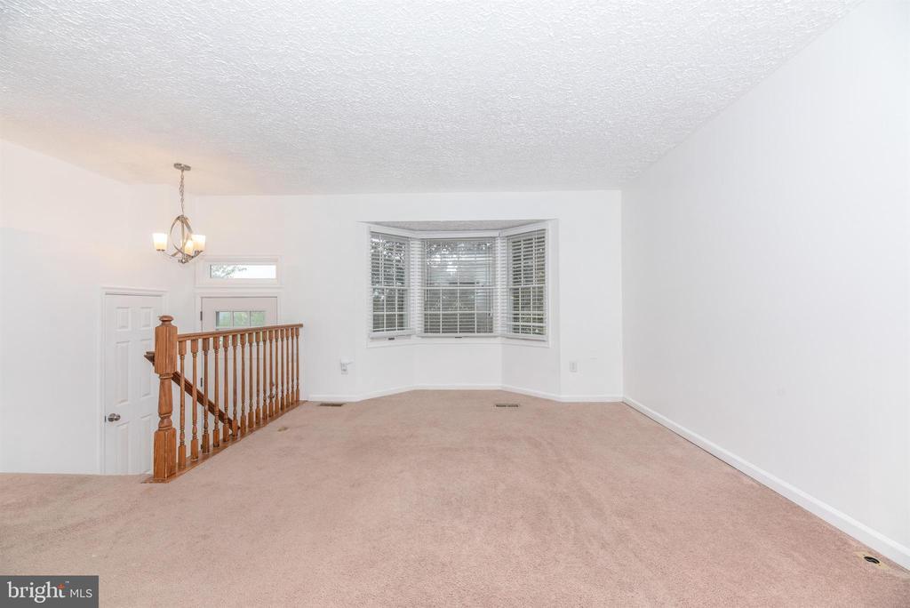 Living Room - 6171 S STEAMBOAT WAY, NEW MARKET