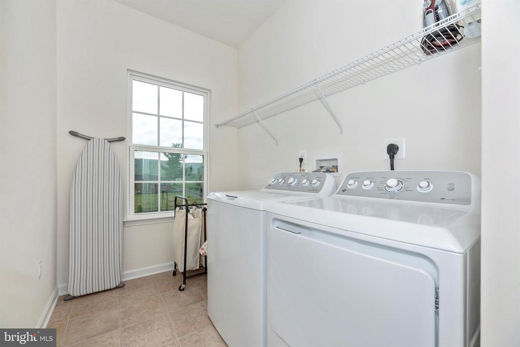 Convenient Upstairs Laundry! - 811 JEFFERSON PIKE, BRUNSWICK
