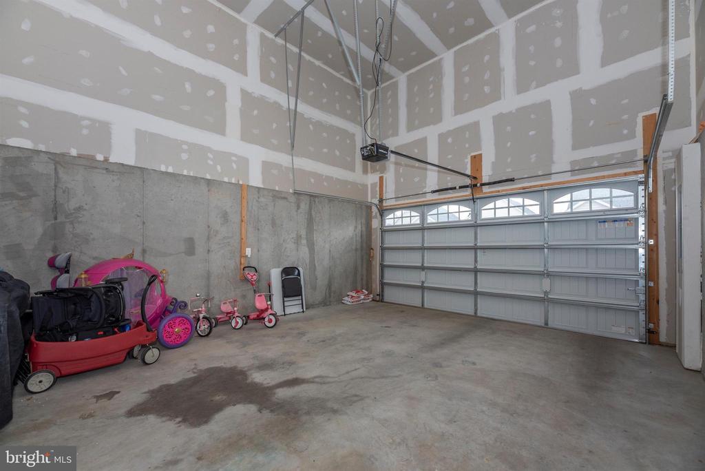 2-Story Garage! - 811 JEFFERSON PIKE, BRUNSWICK
