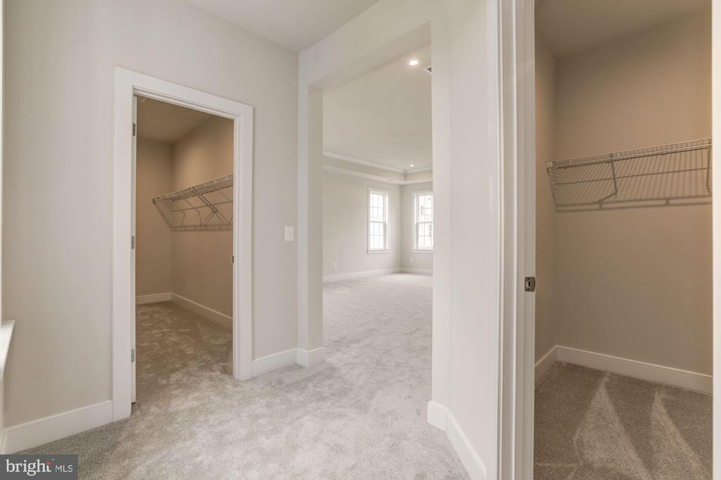 - 270 BALL CT, PURCELLVILLE