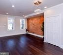 - 1328 QUEEN ST NE, WASHINGTON