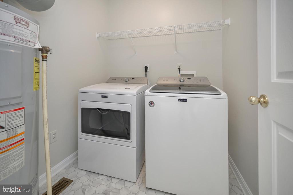 Separate Laundry; washer & dryer are 1yr young - 228 YORKTOWN BLVD, LOCUST GROVE