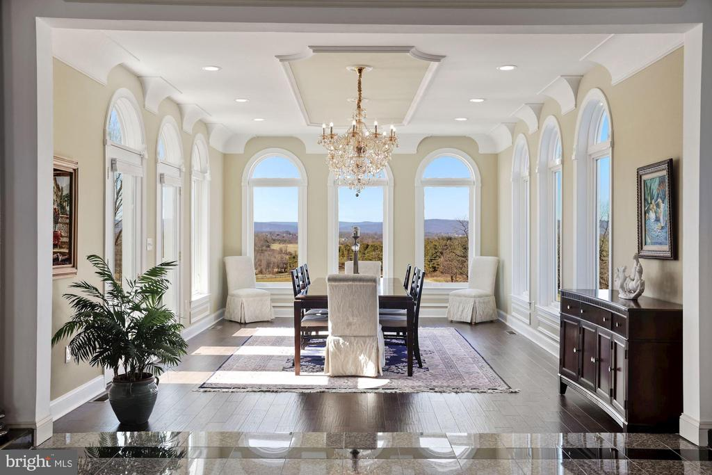 Stunning westerly views from the dining room! - 15929 BRIDLEPATH LN, PAEONIAN SPRINGS