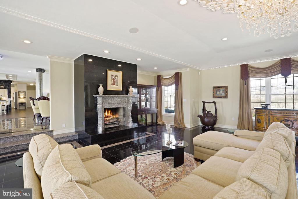 The Ballroom/Greatroom - ultimate gathering place! - 15929 BRIDLEPATH LN, PAEONIAN SPRINGS