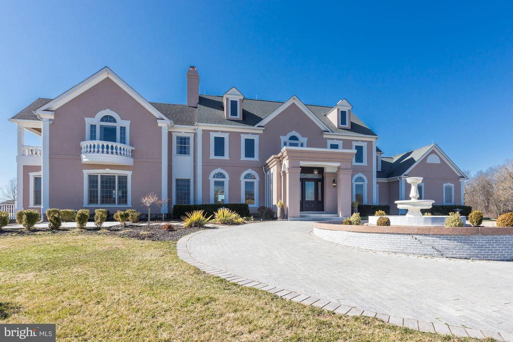 Portico and fountain greet visitors! - 15929 BRIDLEPATH LN, PAEONIAN SPRINGS