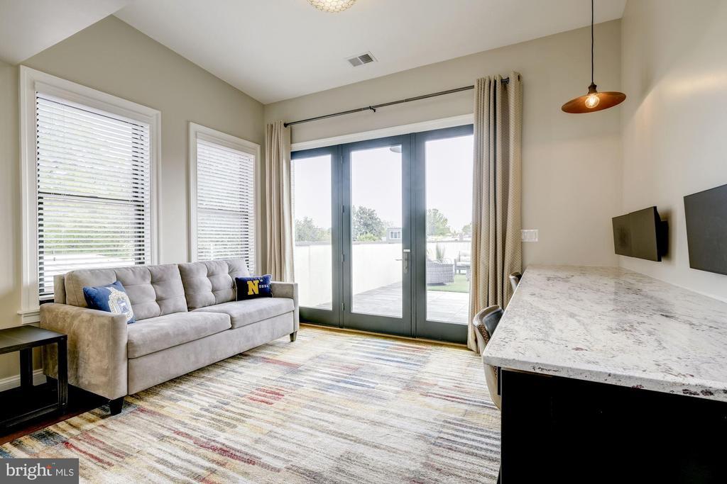 Owner's Unit - Third Level - Office/Den/Bedroom - 629 E CAPITOL ST SE, WASHINGTON