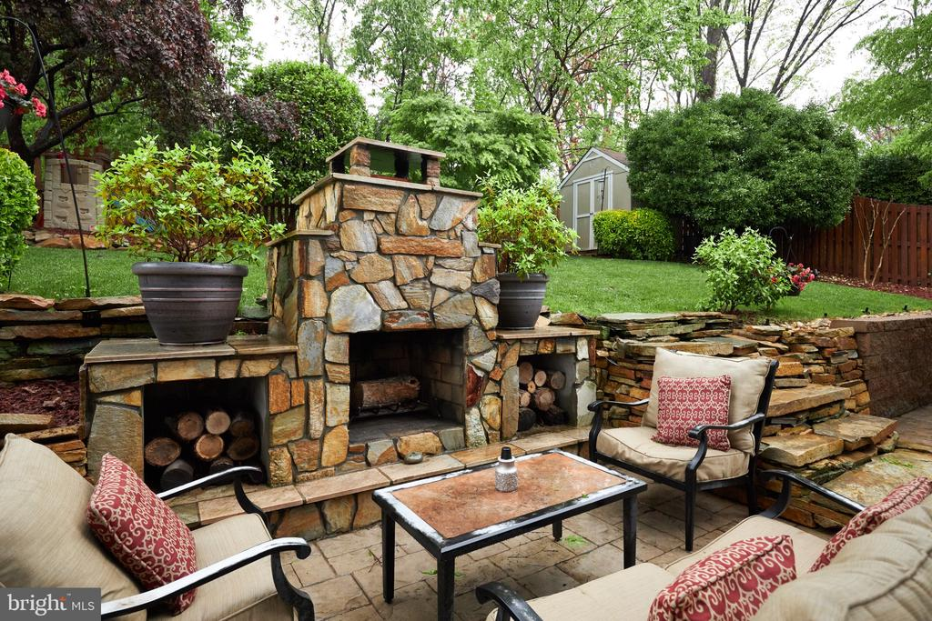 Wood storage for your outdoor fire - 2912 S GRANT ST, ARLINGTON