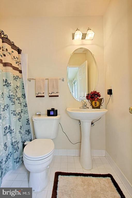 Full Bathroom in Lower Level - 6719 ASPEN TRACE CT, ANNANDALE