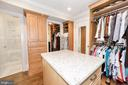Bedroom/Dressing Room - Attached Full Bath - 3001 CATHEDRAL AVE NW, WASHINGTON