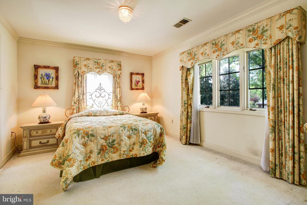 Upstairs Level 2nd/Front Bedroom - 3905 BELLE RIVE TER, ALEXANDRIA