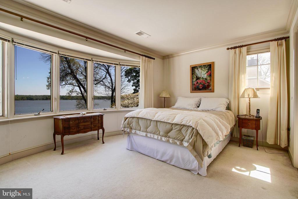 Upstairs Level 3rd Bedroom with River Views! - 3905 BELLE RIVE TER, ALEXANDRIA