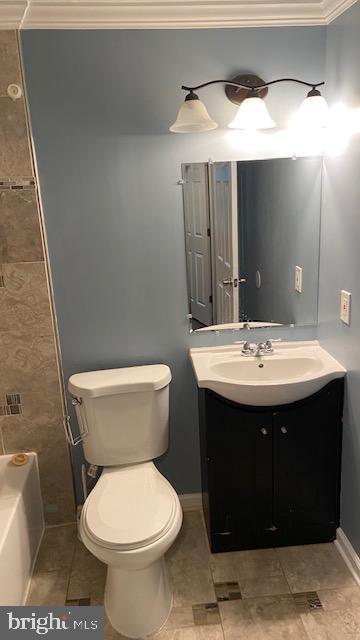 Main Full Bath - 2 MARTHA CT, STAFFORD