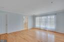 Master bedroom with wall of windows - 43771 APACHE WELLS TER, LEESBURG