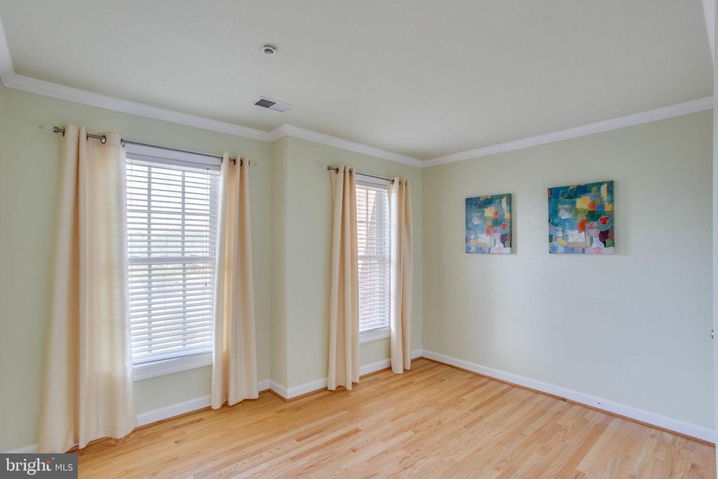 Bedroom #3 with hardwood floors - 43771 APACHE WELLS TER, LEESBURG