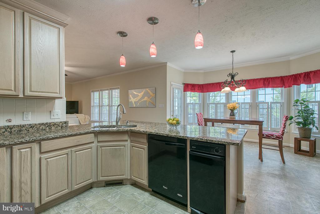 Kitchen - 2829 OCONNOR CT, FREDERICKSBURG