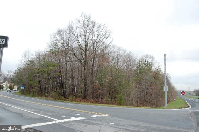 Terrain pour l Vente à Glenn Dale, Maryland 20769 États-Unis
