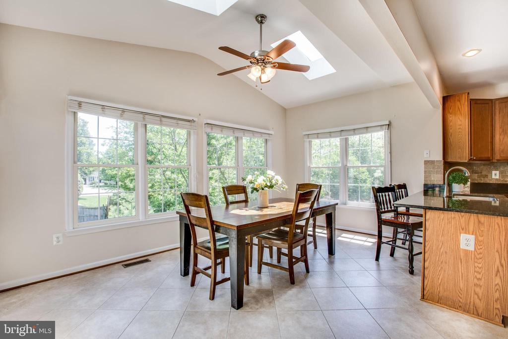 Bonus sunroom with skylights and tons of  light - 6 CROMWELL CT, STAFFORD