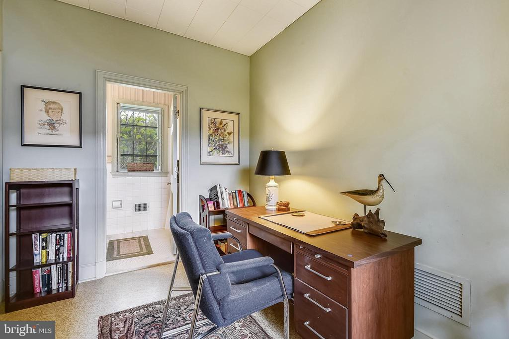 Office - 205 WINCHESTER BEACH DR, ANNAPOLIS