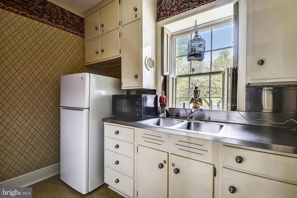 2nd Butler's Pantry - 205 WINCHESTER BEACH DR, ANNAPOLIS