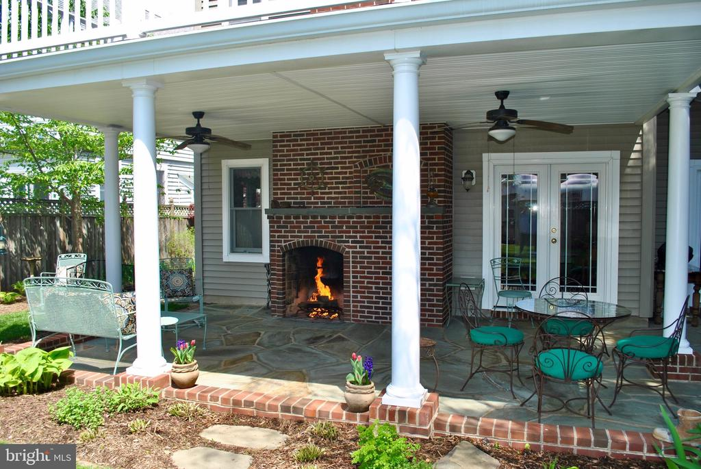 The covered patio has space for seating, dining - 434 STATE ST, ANNAPOLIS