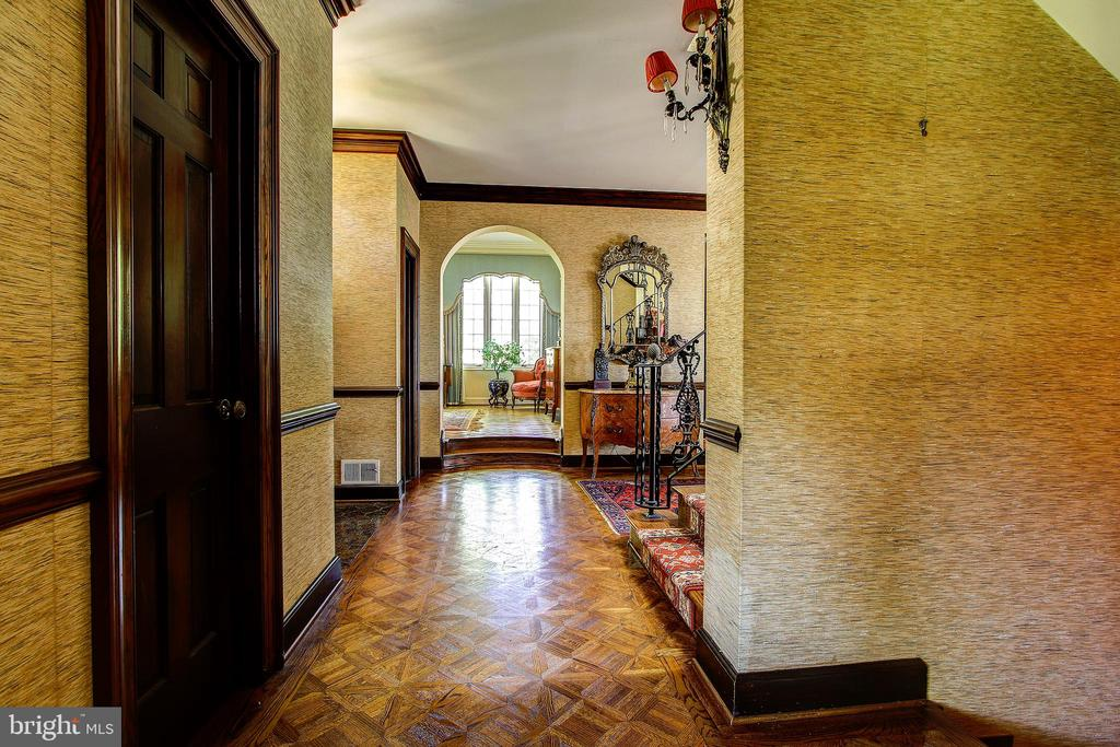 View from Entry Foyer Hallway Towards Living Room - 3905 BELLE RIVE TER, ALEXANDRIA