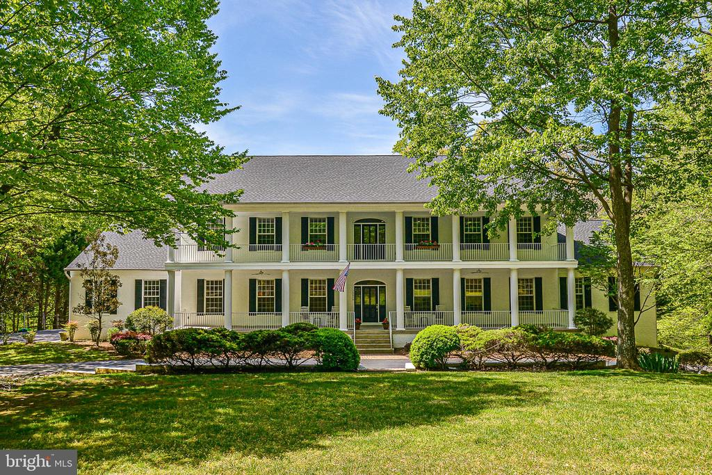 Four Side Brick Southern Style Estate - 12970 WYCKLAND DR, CLIFTON