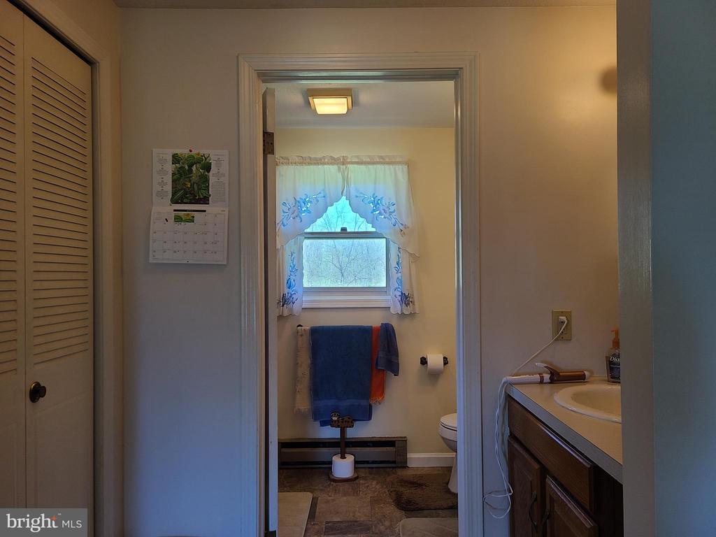 Master bath - 544 PYLETOWN RD, BOYCE
