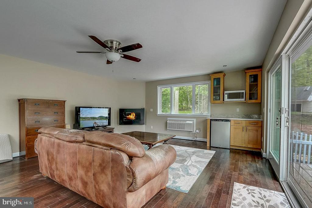 For extra living space... - 1735 WESTMORELAND TRL, ANNAPOLIS