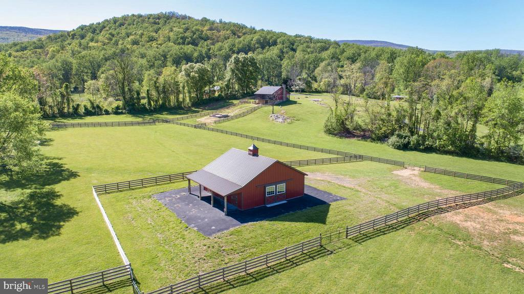 Amazing mountain views - 65 HICKORY LN, HUNTLY