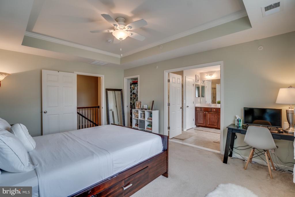 Top level Master bedroom - 45726 WINDING BRANCH TER, STERLING