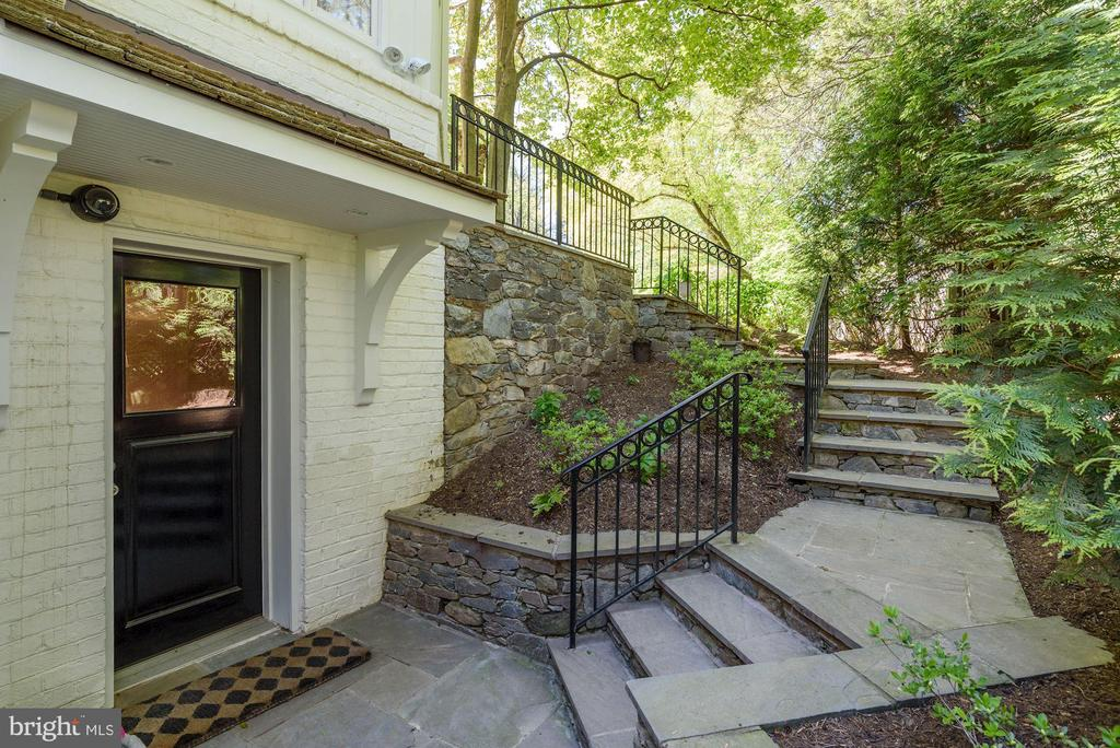 Lower Level Family Room Access to Pool - 5321 GOLDSBORO RD, BETHESDA