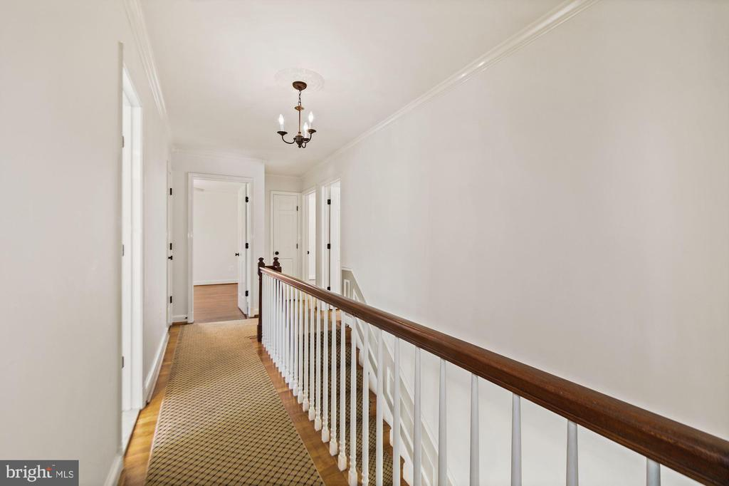 Hallway view of bedroom level - 7808 CHARLESTON DR, BETHESDA