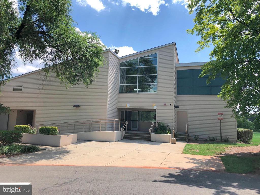 Community Center - 34 SIMEON LN, STERLING