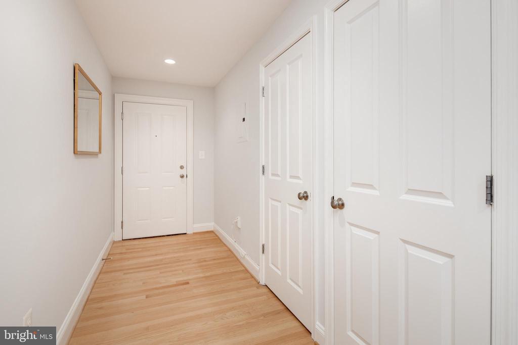 Foyer - 1701 16TH ST NW #715, WASHINGTON