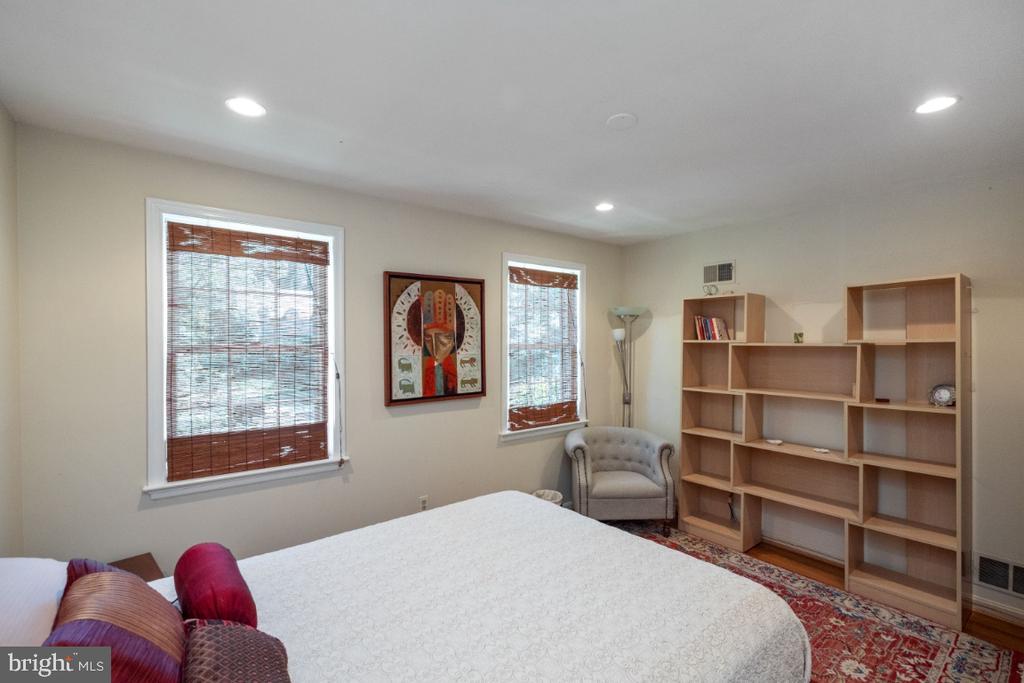 Bedroom # 3 - 4732 MASSACHUSETTS AVE NW, WASHINGTON