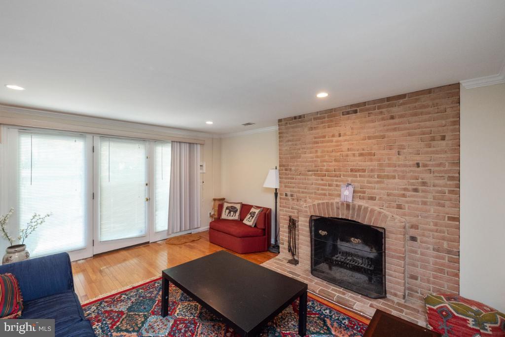 Second wood burning fireplace in family room - 4732 MASSACHUSETTS AVE NW, WASHINGTON