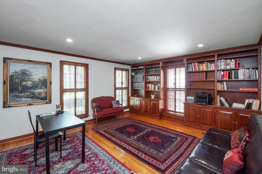 Home office/study/library - 4732 MASSACHUSETTS AVE NW, WASHINGTON
