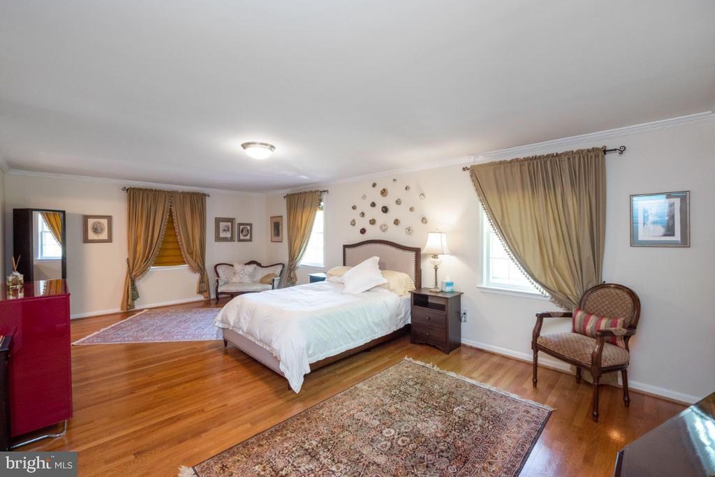 Master bedroom - 4732 MASSACHUSETTS AVE NW, WASHINGTON