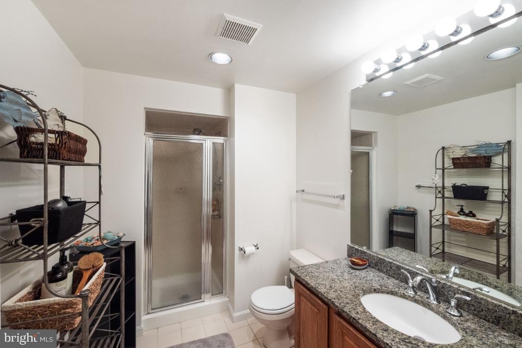 Lower level full bath - 4732 MASSACHUSETTS AVE NW, WASHINGTON