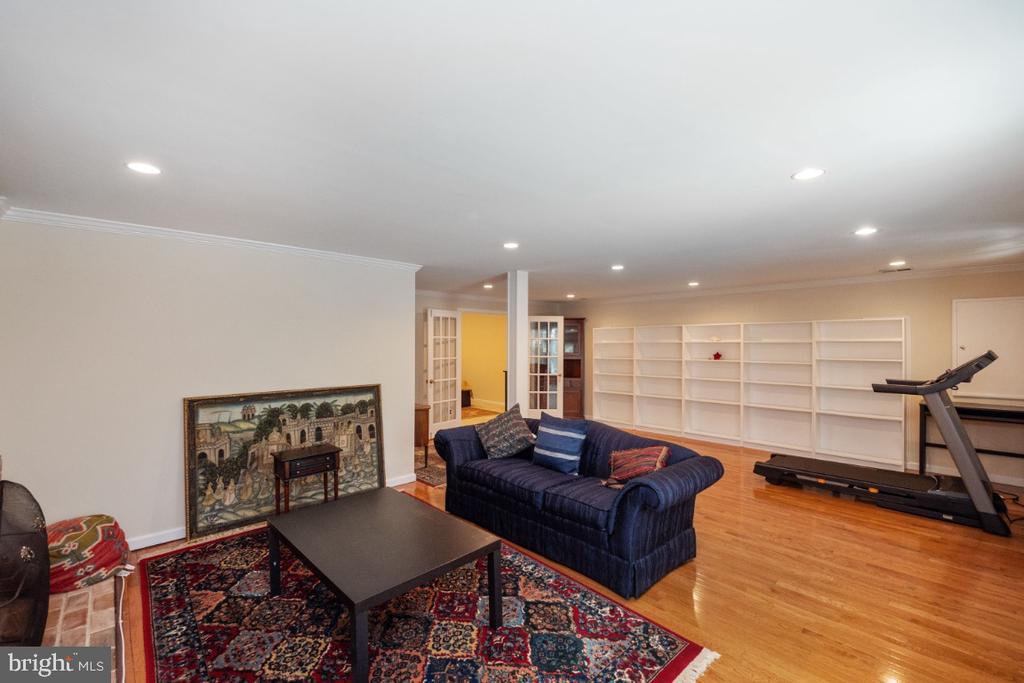 Family room - 4732 MASSACHUSETTS AVE NW, WASHINGTON