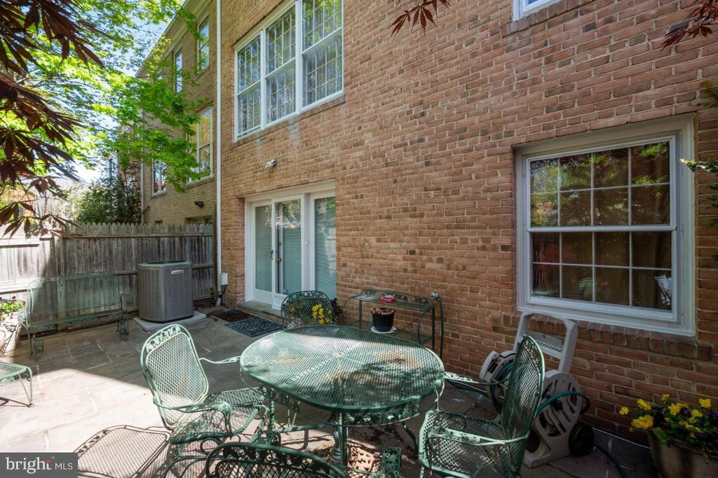 Rear patio - 4732 MASSACHUSETTS AVE NW, WASHINGTON