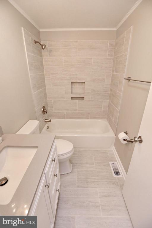 2nd Full Bath 1st Floor Beautiful reno 2020 - 18850 WICOMICO RIVER DR, COBB ISLAND